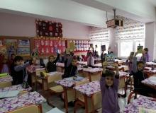 Minik öğrenciler ilk kitaplarını okumaya başladı