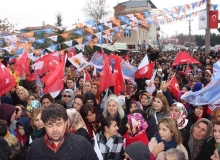 Yahşihan'da AK Parti miting havasında seçim bürosu açtı