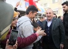 """Bakan Çavuşoğlu: """"Tüm dünyada FETÖ'cü hainlerin ensesindeyiz"""""""