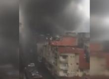 Korkutan yangın! Patlama sesleri duyuldu!