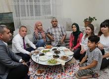 Başkan Böcek, Kiriş ailesi ile birlikte iftar yaptı