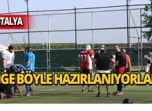 Futbol sahasında Amerikan futbolu antrenmanı!