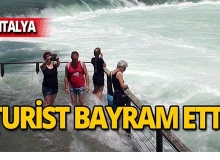 Su seviyesi yükseldi, turist bayram etti!