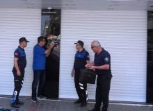 Turistleri dolandıran kuyumcu dükkanı mühürlendi