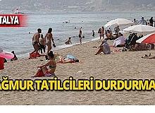 Antalya iki mevsimi aynı anda yaşadı
