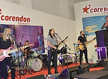 Corendon Airlines'tan Travel Turkey İzmir'de konser sürprizi