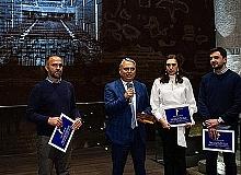 Mimarlık ödülünü Başkan Uysal aldı