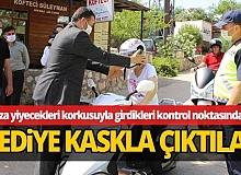 Kaş Belediyesi ücretsiz kask dağıttı