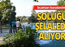 Antalya'da sıcaktan bunalanlar Manavgat Şelalesi'nde serinliyor