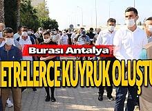 Antalya haber: Sosyal mesafeye uyulmadı, uzun kuyruklar oluştu