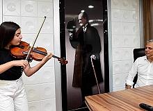 Şampiyon Elif Eroğlu'ndan Başkan Uysal'a ziyaret