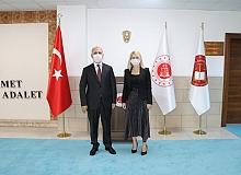 Antalya Cumhuriyet Başsavcısı Halil İnal Akdeniz Üniversitesi Rektörü Prof. Dr. Özlenen Özkan'ı ağırladı