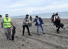Başkan Topaloğlu ile gönüllü sahil temizliği