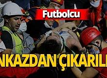 İzmir depreminde amatör futbolcu enkazdan çıkarıldı
