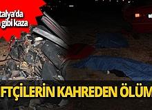 Antalya'da kamyonet ile otomobil kafa kafaya çarpıştı! 2 kişi hayatını kaybetti