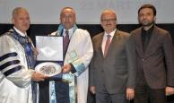 Bakan Çavuşoğlu'na fahri doktora unvanı verildi