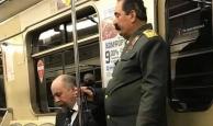Lenin ve Stalin işe giderken yakalandı