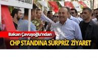 Bakan Çavuşoğlu'ndan CHP standına sürpriz ziyaret