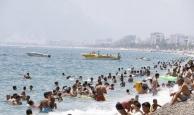 Antalya'nın alışmış olduğu pazar günü görüntüsü