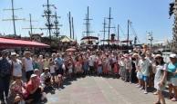 Adalya Vakfı, özel çocuklar için Antalya turu düzenledi