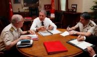 Milli Savunma Bakanı Akar'da bedelli açıklaması