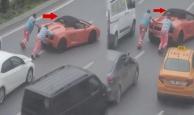 Lamborghini yolda kaldı belediye işçileri yardıma koştu