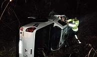 Dereye uçan otomobilden sağ kurtuldu