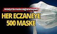 Antalya'da eczanelerden ücretsiz maske dağıtımı başladı