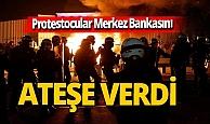 Fransa'da protestocular Merkez Bankasını ateşe verdi