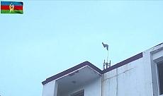 Azerbaycan ordusu Kelbecer'e bayrak dikti