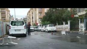 Antalya'da eline geçeni sokağa fırlattı!