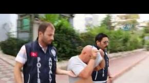 Antalya'da kendisini doktor olarak tanıttı, kıskıvrak yakalandı!