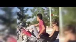 Antalya'da motosiklet üzerinde yürekleri ağza getiren hareketler