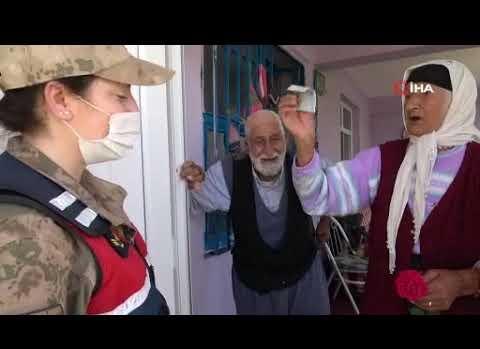 65 yıllık evli çiftin, Mehmetçiğe 'Bayram Harçlığı'