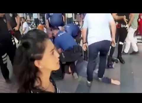 Antalya'da bıçaklı kavga: Yaralılar var!