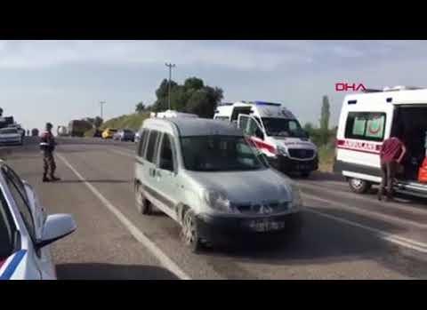 Antalya'da öğrenci servisi ile tanker çarpıştı
