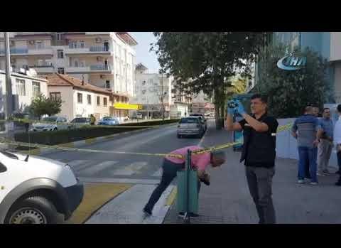 Manavgat'ta sokak ortasında silahlı kavga!