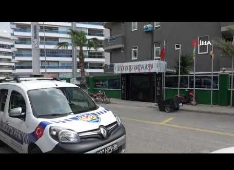 Otel işletmecisi kız öğrencilerin odasını basıp adeta terör estirdi