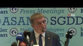 İzmir'de göç ve mültecilik konuşuldu