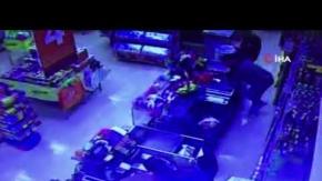 Kemer'de silahlı soygun girişimi!