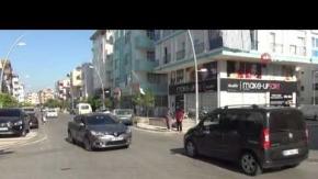 Otomobil bisikletli çocuğa çarptı
