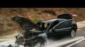 Seyir halindeki lüks araç yandı!