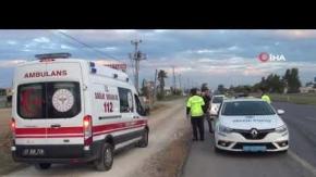 Tarım işçilerini taşıyan minibüse otomobil çarptı