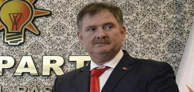 AK Partili il başkanı istifa etti