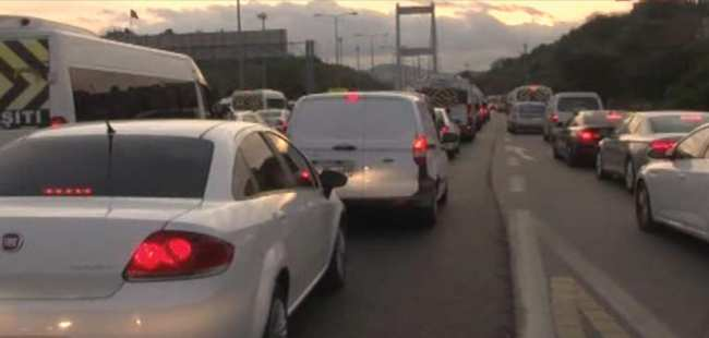 FSM'de trafik felç oldu