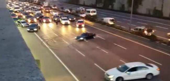 İstanbul'da trafiği kilitleyen olay