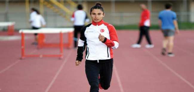 Milli atlet Esma Aydemir tarih yazıyor