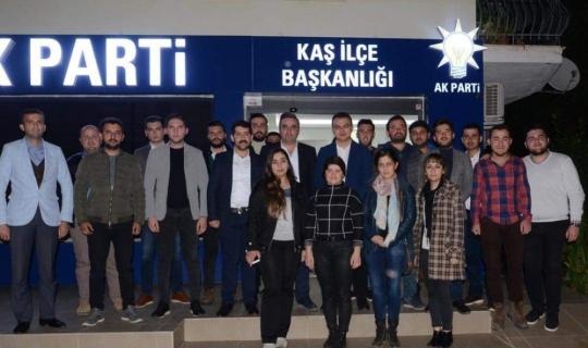 Ak Parti Kaş Gençlik Kolları'nda yeni yönetim belli oldu
