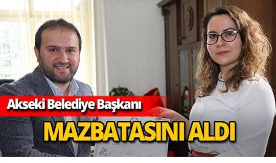 Akseki Belediye Başkanı mazbatasını alarak göreve başladı