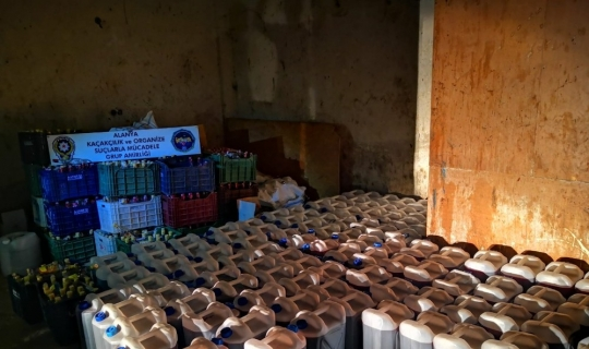 Alanya'da 6 bin 570 litre kaçak ve sahte içki ele geçirildi